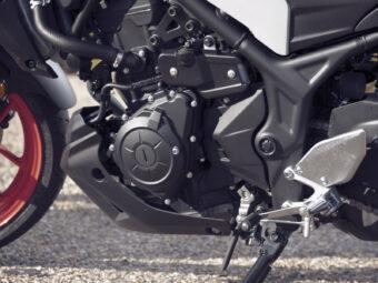 Yamaha MT 03 2020 vs Kawasaki Z400 2020 detalles2