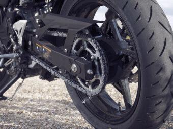 Yamaha MT 03 2020 vs Kawasaki Z400 2020 detalles20