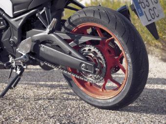 Yamaha MT 03 2020 vs Kawasaki Z400 2020 detalles3
