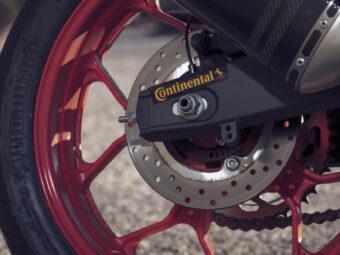 Yamaha MT 03 2020 vs Kawasaki Z400 2020 detalles6