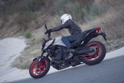 Yamaha MT 03 2020 vs Kawasaki Z400 2020 prueba 22