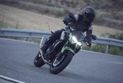 Yamaha MT 03 2020 vs Kawasaki Z400 2020 prueba 23