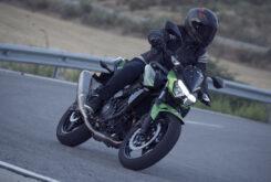 Yamaha MT 03 2020 vs Kawasaki Z400 2020 prueba 24