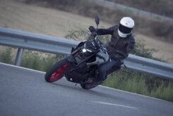 Yamaha MT 03 2020 vs Kawasaki Z400 2020 prueba 25