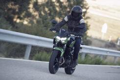 Yamaha MT 03 2020 vs Kawasaki Z400 2020 prueba 5