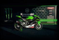 Kawasaki ZX 10R 2021 lifestyle (1)