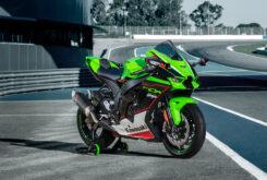 Kawasaki ZX 10R 2021 lifestyle (2)