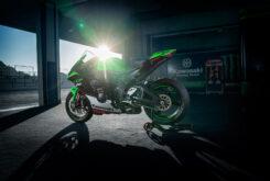 Kawasaki ZX 10R 2022 accion (10)