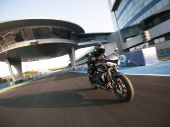 Triumph Street Triple RS Supersport (2)