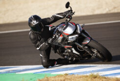 Triumph Street Triple RS Supersport (3)