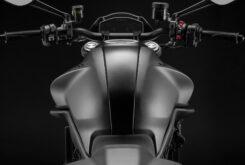 Ducati Monster Plus 202140