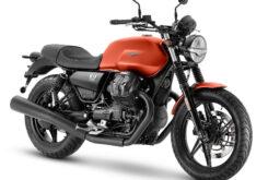 Moto Guzzi V7 Stone 2021 (1)