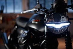 Moto Guzzi V7 Stone 2021 (14)