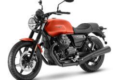 Moto Guzzi V7 Stone 2021 (2)