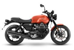 Moto Guzzi V7 Stone 2021 (4)