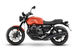 Moto Guzzi V7 Stone 2021 (5)