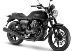Moto Guzzi V7 Stone 2021 (6)