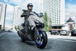Yamaha XMAX 300 2021 (1)