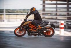 KTM 125 Duke 2021 (4)