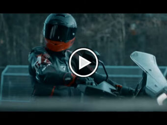 KTM 1290 Super Adventure 2021 teaser play