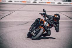KTM 890 Duke 2021 (29)