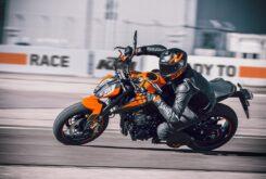 KTM 890 Duke 2021 (3)