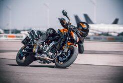 KTM 890 Duke 2021 (4)