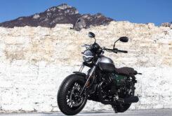 Moto Guzzi V9 Bobber Centenario 2021 (21)