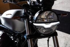Moto Guzzi V9 Bobber Centenario 2021 (48)
