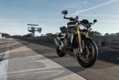 Triumph Speed Triple 1200 RS 2021 estaticas 4