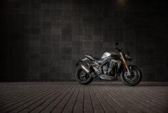 Triumph Speed Triple 1200 RS 2021 estaticas 7