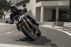 Triumph Speed Triple 1200 RS accion 13