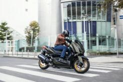 Yamaha XMAX 300 Tech Max 2021 (2)