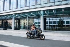Yamaha XMAX 300 Tech Max 2021 (5)