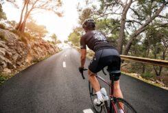 bicicleta ciclista carretera adelantamientos