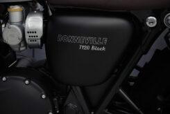 Triumph Bonneville T120 Black 2021 detalles (1)