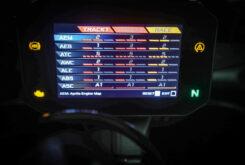 Aprilia RSV4 Factory 2021 prueba pantalla modos conduccion