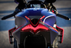 Aprilia RSV4 Factory 2021 prueba piloto trasero