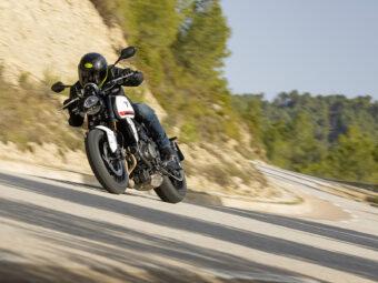 Honda CB650R vs Triumph Trident 660 comparativa 28