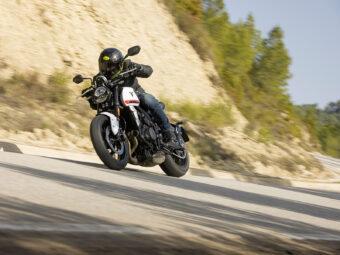 Honda CB650R vs Triumph Trident 660 comparativa 29