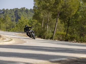 Honda CB650R vs Triumph Trident 660 comparativa 30