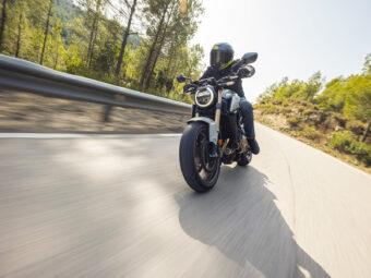Honda CB650R vs Triumph Trident 660 comparativa 37