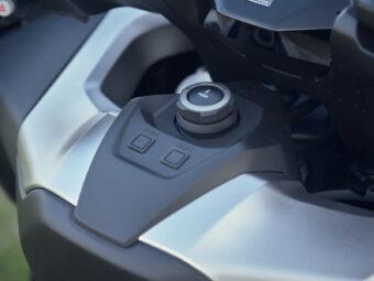 Honda Forza 750 2021 detalles 7