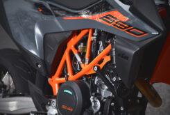 KTM 690 SMC R 2021 prueba MBK detalles (14)