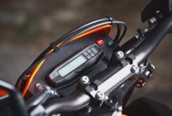 KTM 690 SMC R 2021 prueba MBK detalles (20)