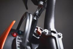 KTM 690 SMC R 2021 prueba MBK detalles (21)