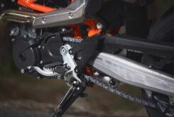 KTM 690 SMC R 2021 prueba MBK detalles (8)