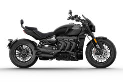 Triumph Rocket 3 GT Triple Black 2021 estaticas (7)