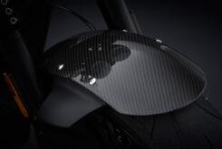 Triumph Rocket 3 R Black 2021 detalles (1)
