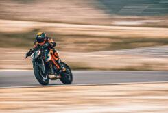 KTM 1290 Super Duke RR 2021 (15)